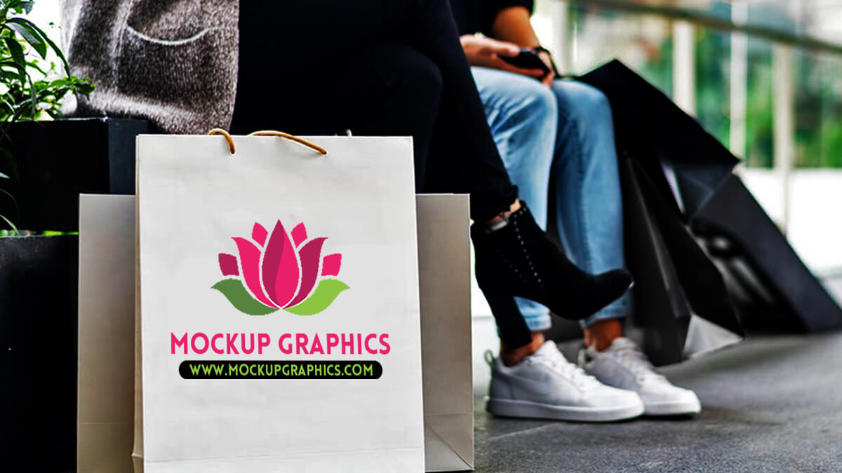 Free Paper Shopping Bag Mockup PSD